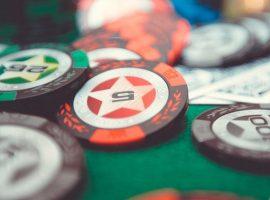 Преподаватель из США обучал студентов курсу игры в покер на каникулах