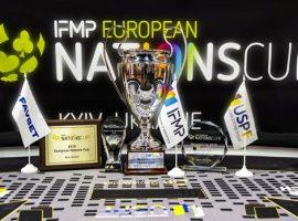 В Киеве стартовал командный турнир по покеру среди сборных